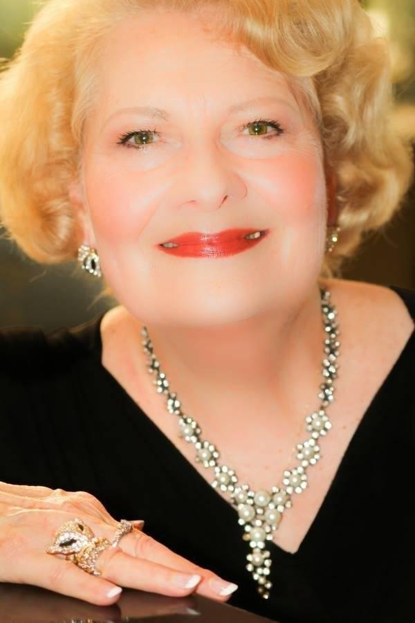 Carol Stanley Headshot